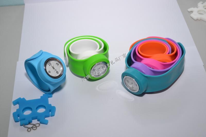 啪啪钢片硅胶手表